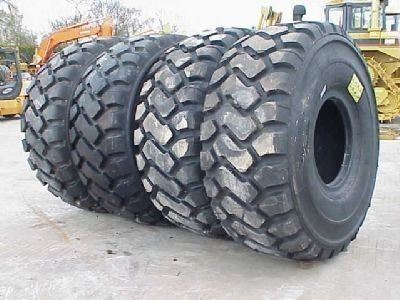 nieuw Michelin 26.50- 25.00 shovelband