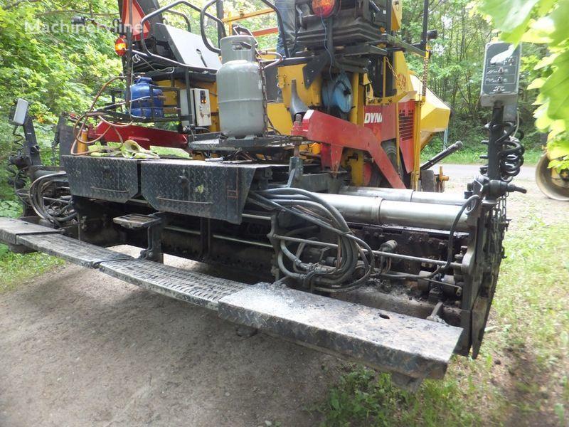 DYNAPAC F8-4W asfalteermachine op wielen