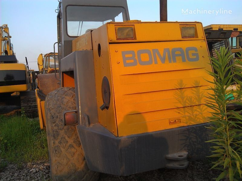 BOMAG BW217D-2 grondwals