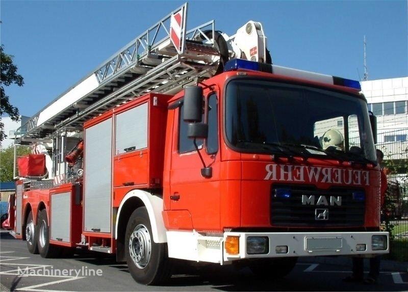 MAN F 32   brandweer hoogwerker