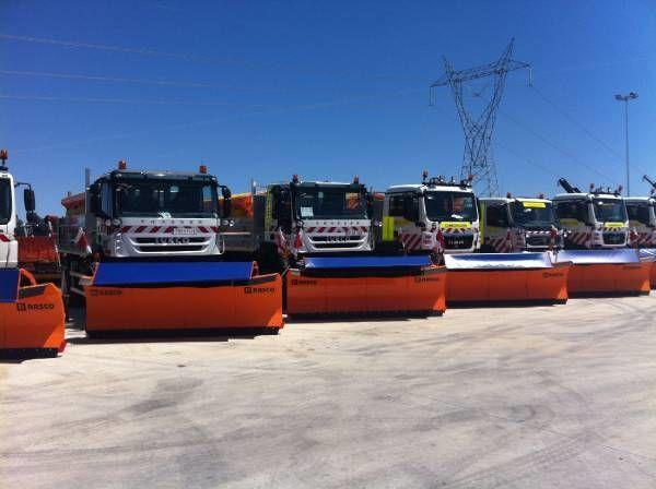RASCO NEW truck 4x4+ spreader + snow plough + tipper box strooiwagen