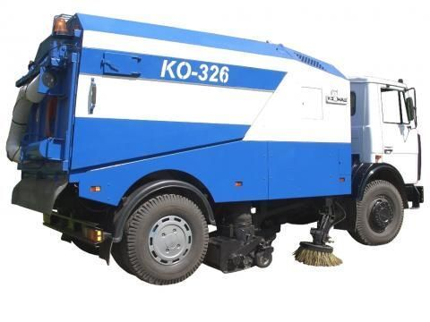 MAZ KO-326 veegmachine