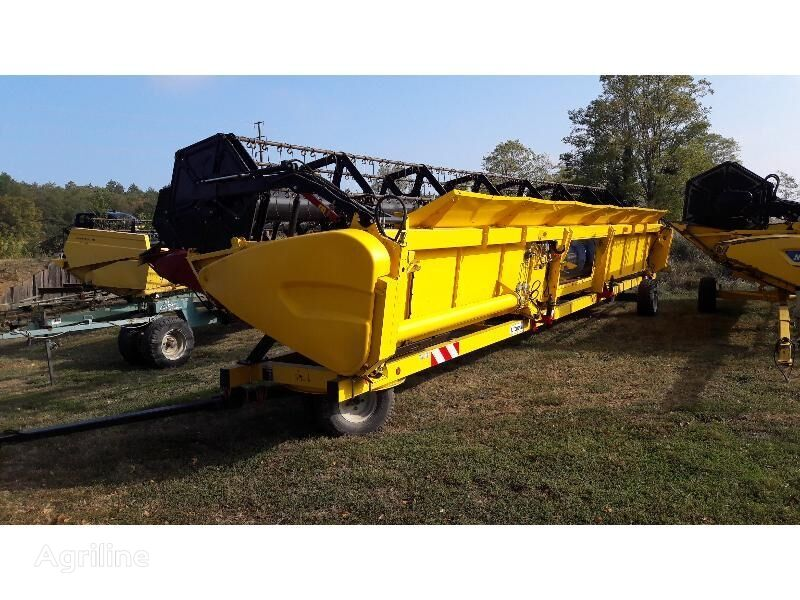 NEW HOLLAND COUPE ET ACC MB NEW-HOLLAND VARIFEED 10.70M graanmaaibord
