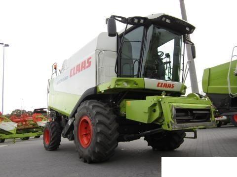 CLAAS 560 maaidorser