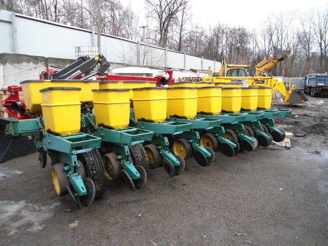 JOHN DEERE 7000 mechanische precisiezaaimachine