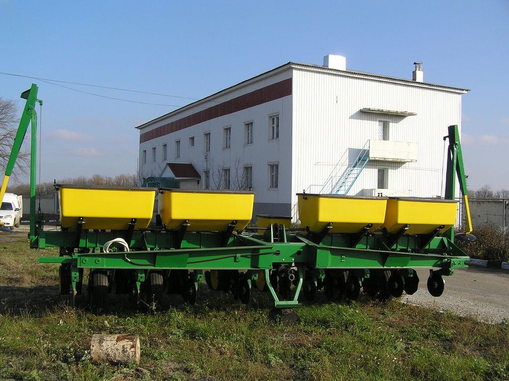 JOHN DEERE 7000 8 ryadnaya mechanische precisiezaaimachine