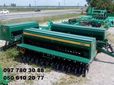 JOHN DEERE Seyalka zernovaya mehanicheskaya Dzhon Dir-10,7 m.  (John Deere) 455  mechanische zaaimachine