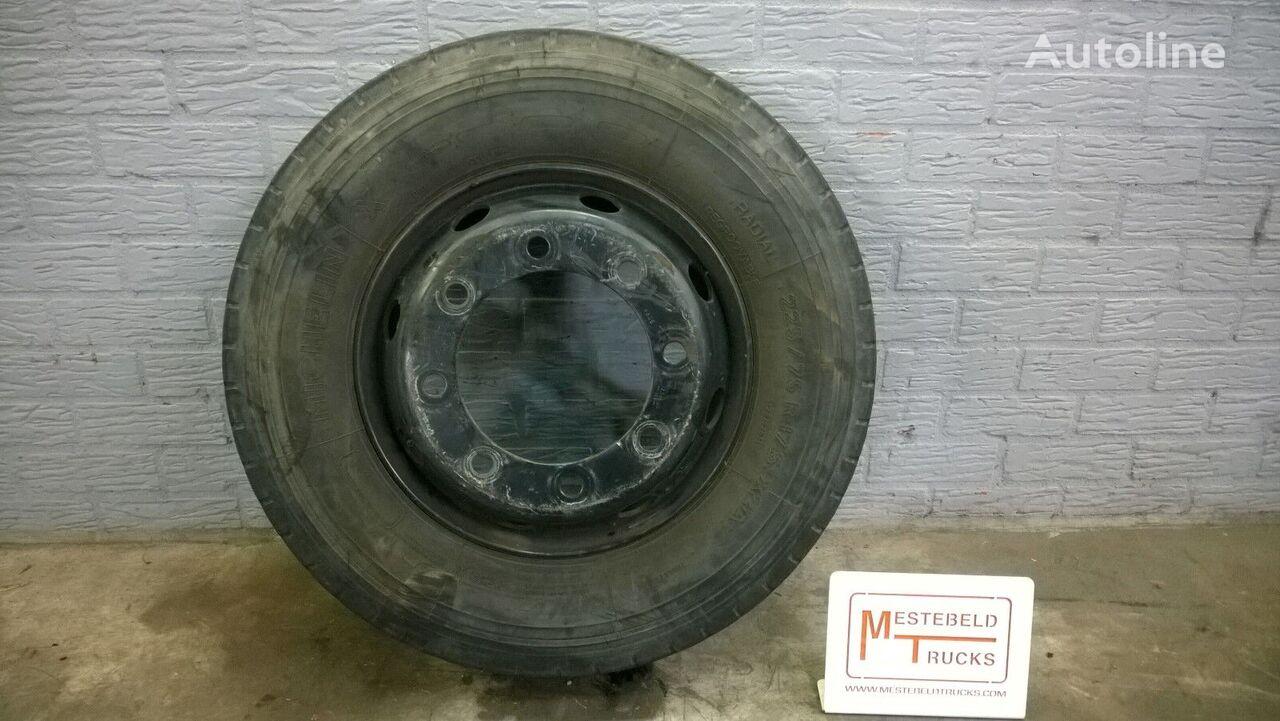 Michelin 225/75 R 17.50 lichte vrachtwagen band