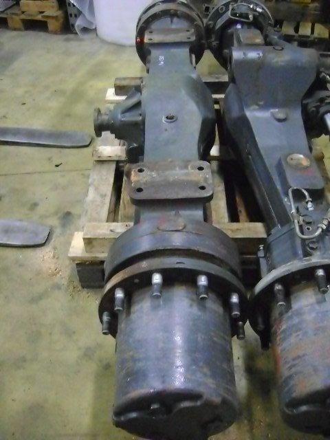 KOMATSU as voor KOMATSU Pw 130  graafmachine