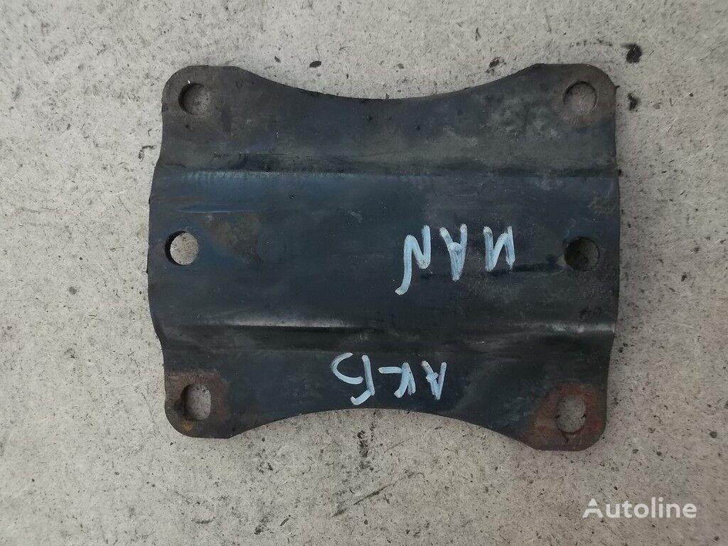 Promezhutochnyy derzhatel akkumulyatornogo yashchika MAN bevestigingsmiddelen voor vrachtwagen
