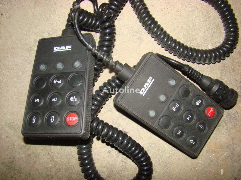 DAF 105XF remote control ECAS 1337230; 4460561290, 1657854, 1659760, 1669461, 1686733, 1690391, 1732019, 1780197, 1780200, 1792640, 1848360, 1851259, 1851261, 1851747, 1898313, 1898316, 1898317 dashboard voor DAF 105XF trekker