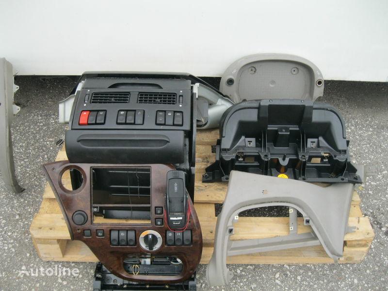 dashboard voor DAF XF 105 trekker