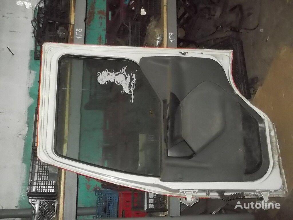 perednyaya RH Renault deur voor vrachtwagen
