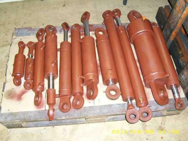 Vielhaben Rochlitz (ORSTA), Mohnsen-Hydraulik hydraulische cilinder voor asfaltfrees