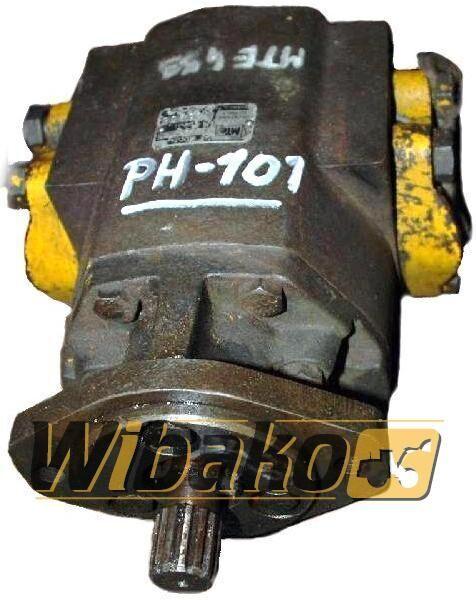 Hydraulic pump MTE 2453 hydraulische pomp voor 2453 graafmachine