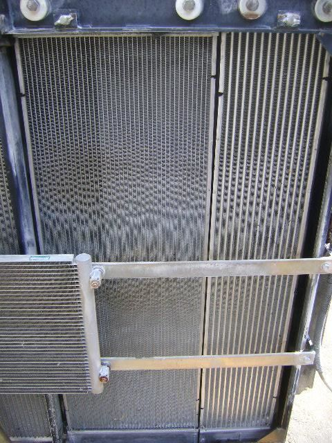 NEW HOLLAND motorkoeling radiator voor NEW HOLLAND E 385 B graafmachine