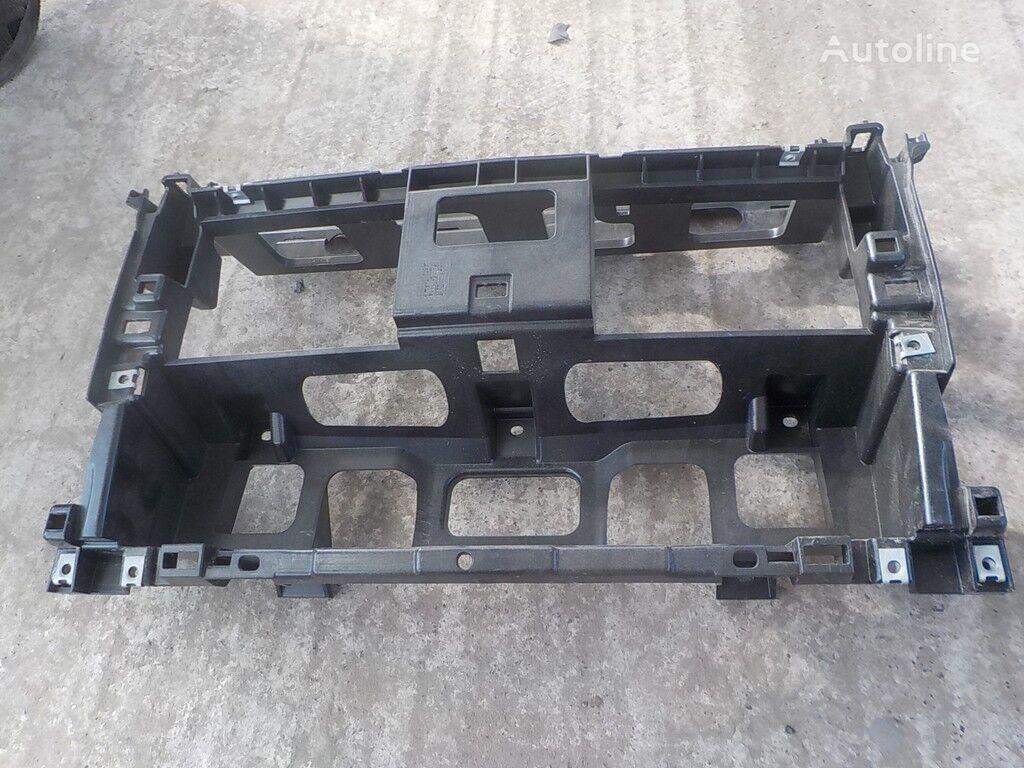 Nesushchaya balka srednyaya chast (plastik) MAN onderdeel voor truck