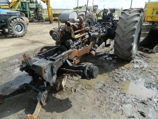 b/u zapchasti / used spare parts onderdeel voor DEUTZ-FAHR AGROTRON 130 trekker