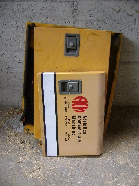 Cofani onderdeel voor LIEBHERR 902 graafmachine