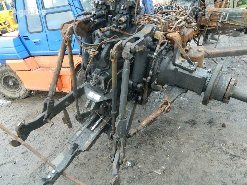 b/u zapchasti / used spare parts onderdeel voor NEW HOLLAND T7030 trekker