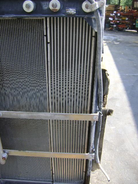 radiator voor NEW HOLLAND E 385 B graafmachine