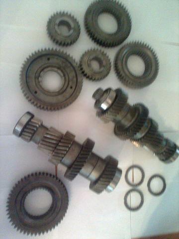 nieuw ZF 12 AS 2301 Promezhutochnye valy KPP 1327203046  1327203044 type versnellingsbak voor MAN tga