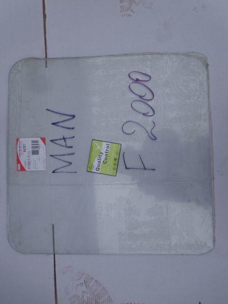 nieuw podemnoe vensterruit voor MAN  19, 26, F2000 trekker