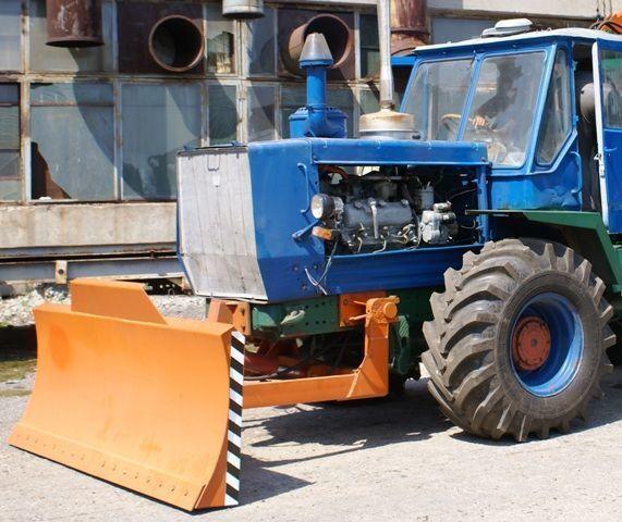 HTZ Buldozernoe oborudovanie (otval, lopata) na traktorah HTZ 150K bulldozerblad