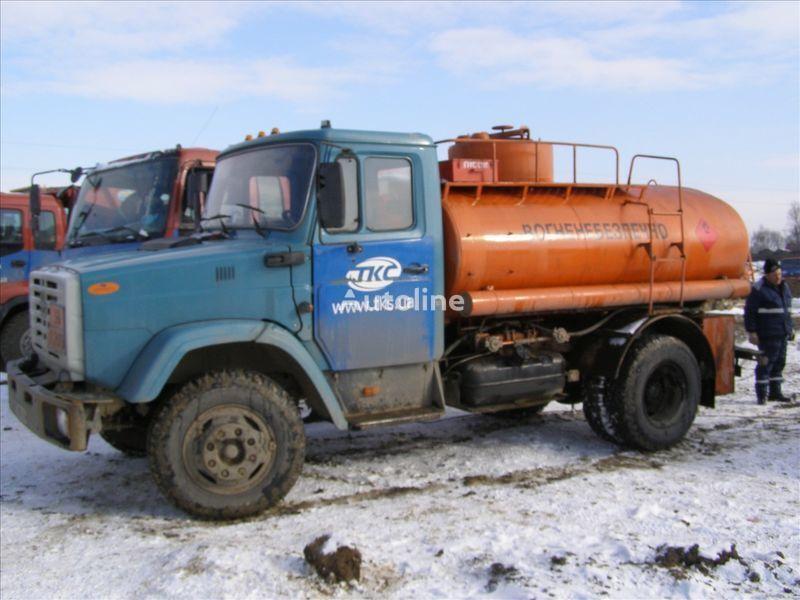 ZIL 4310 brandstoftruck