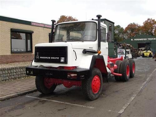 IVECO 256M26 AK chassis vrachtwagen