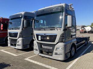 MAN 25.480 containertransporter