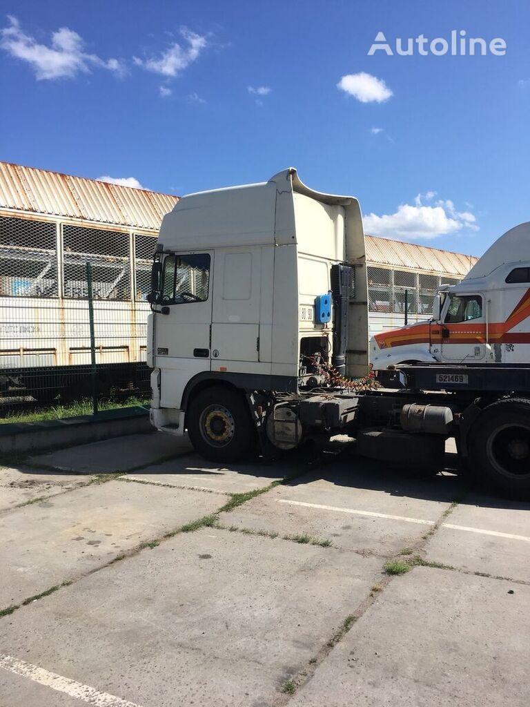 DAF XF 430 containertransporter + container aanhanger