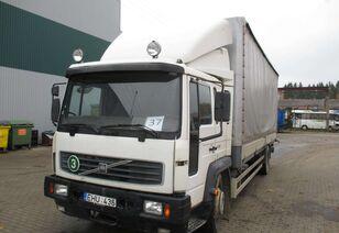 VOLVO FL6 huifzeilen vrachtwagen