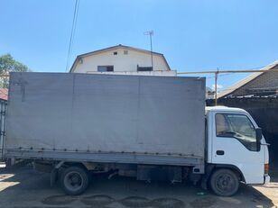 ISUZU NkR55 huifzeilen vrachtwagen