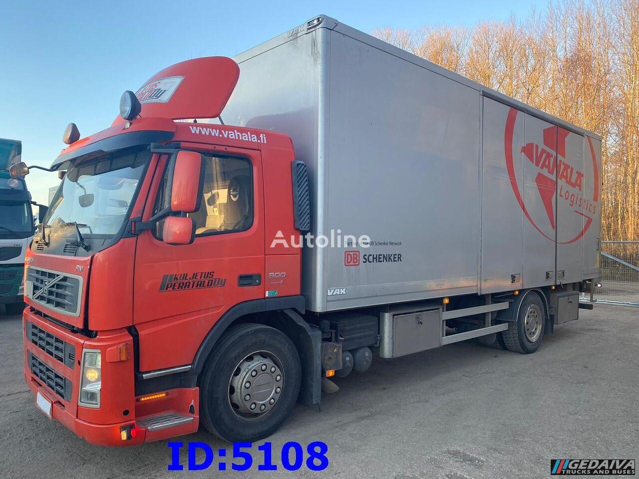 VOLVO FM9 - 4x2  isothermische vrachtwagen