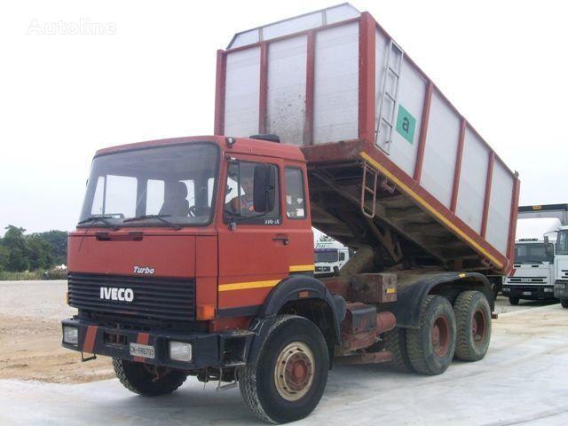 IVECO 330.30 kipper vrachtwagen