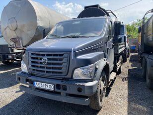 GAZ C41R13-5 open laadbak vrachtwagen