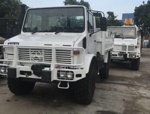MERCEDES-BENZ UNIMOG U1300L open laadbak vrachtwagen
